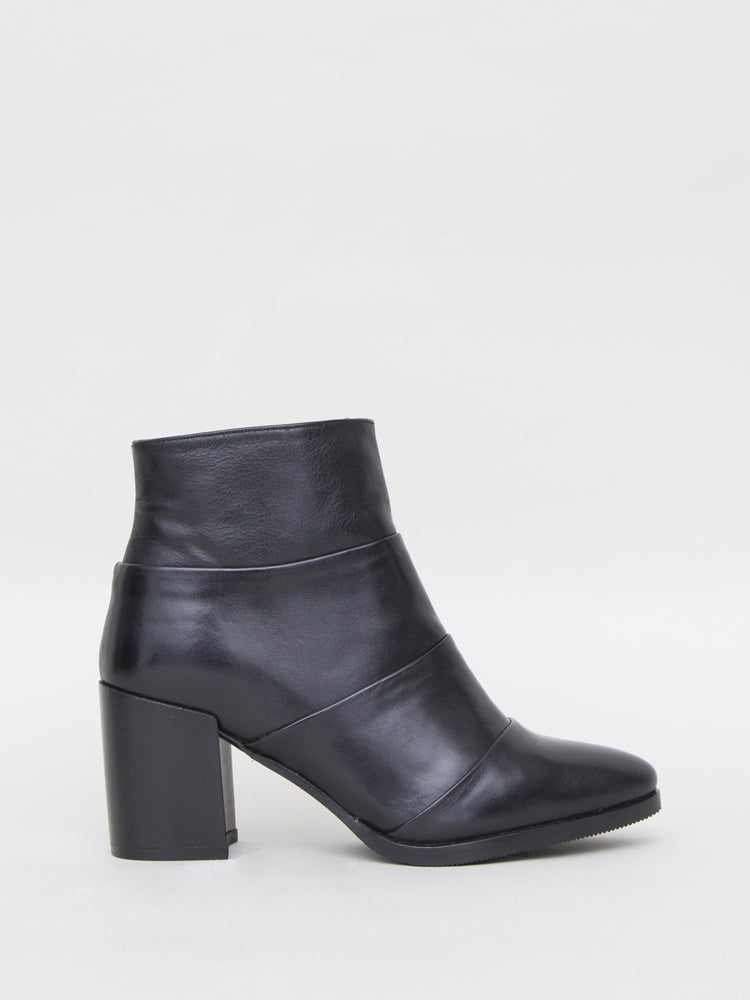 Lawton Boot in Black Leather by Oak in Black Leather by Oak