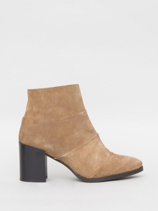Lawton Boot in Camel by Oak