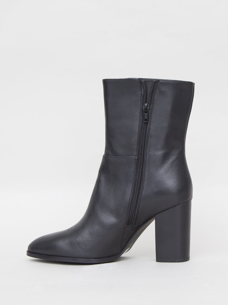 Ellery Boot in Black Leather by Oak in Black Leather by Oak