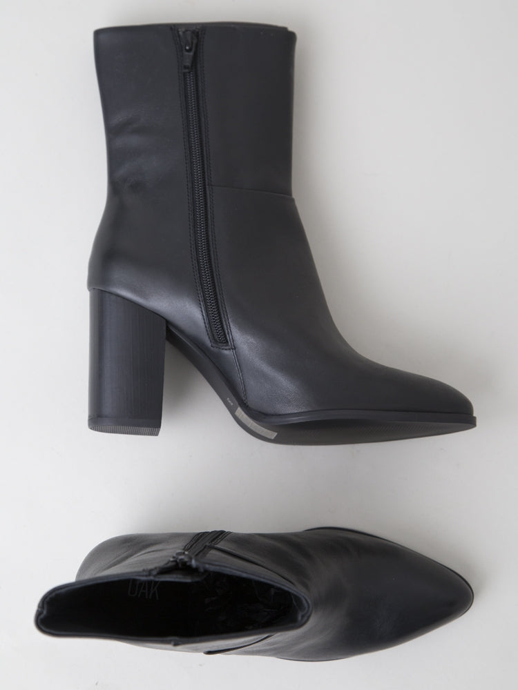 Load image into Gallery viewer, Ellery Boot in Black Leather by Oak