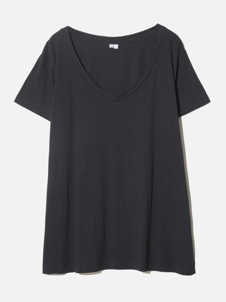 Load image into Gallery viewer, Oak Oversize V Tee In Black
