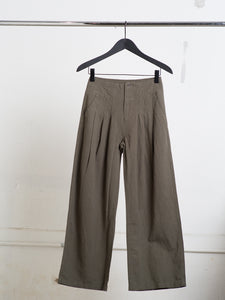 Oak Ross Pant in Olive in Olive by Oak OOS