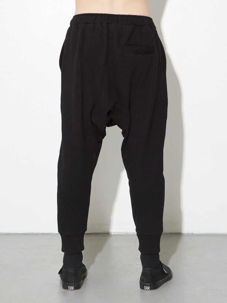 Load image into Gallery viewer, Cuffed Gusset Sweatpant in Black by OAK