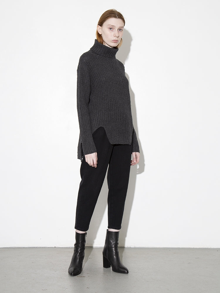 Load image into Gallery viewer, Oak Pine Sweater in Grey