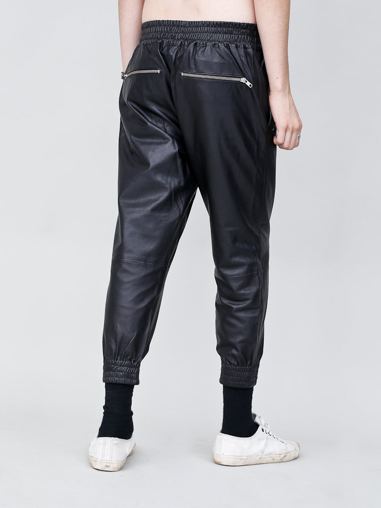 Load image into Gallery viewer, Runner Pant in Black by OAK