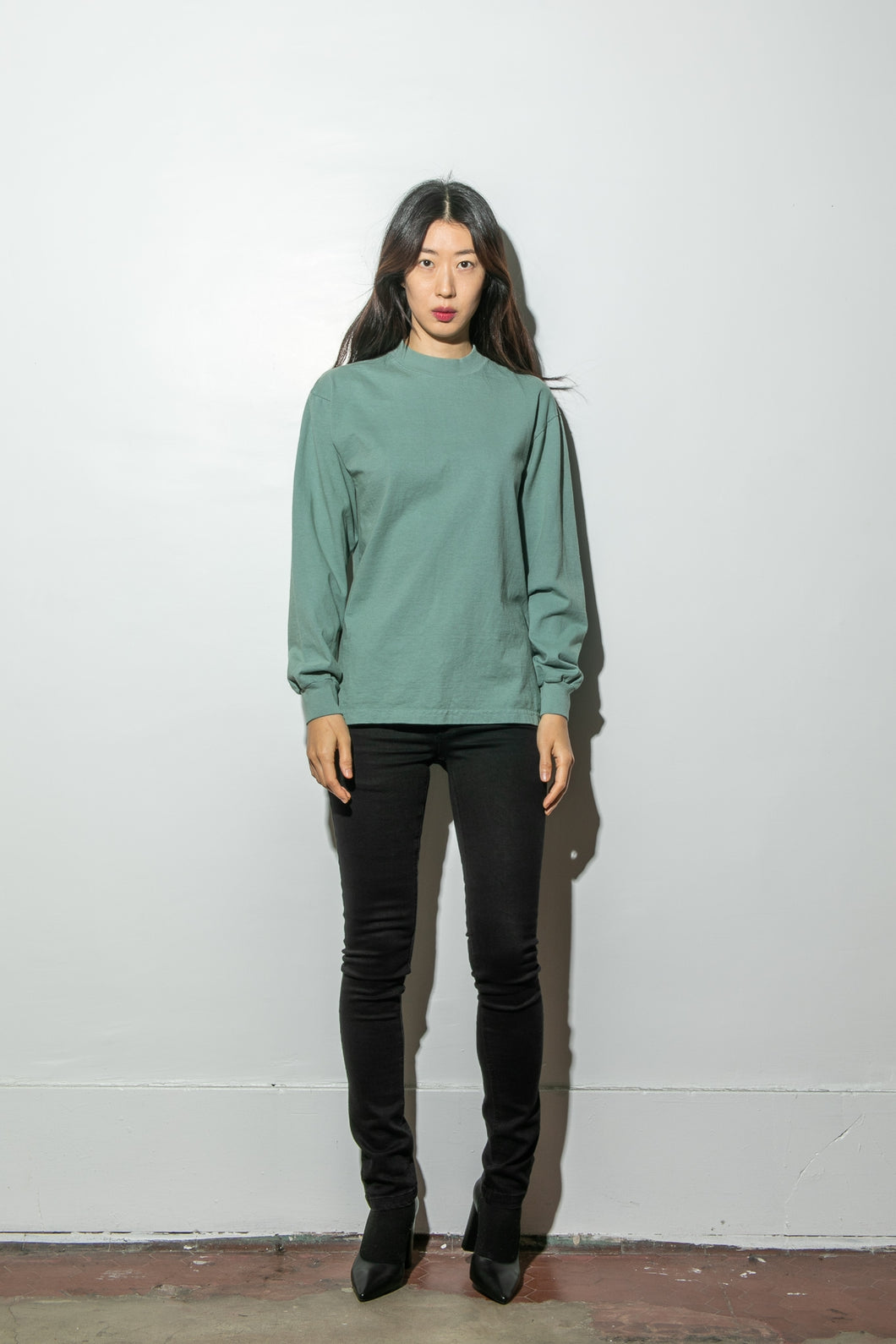 Oak Long Sleeve Mock Neck Tee in Atlantic Green
