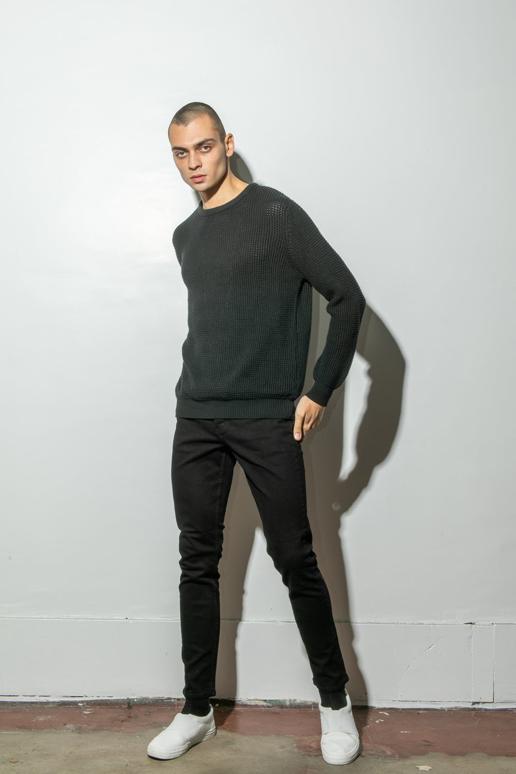 Oak Long Crewneck Sweater in Black