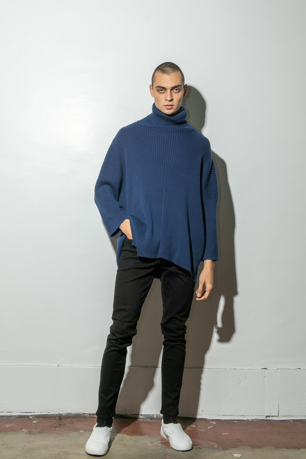 Oak Massive Turtleneck Sweater in Midnight