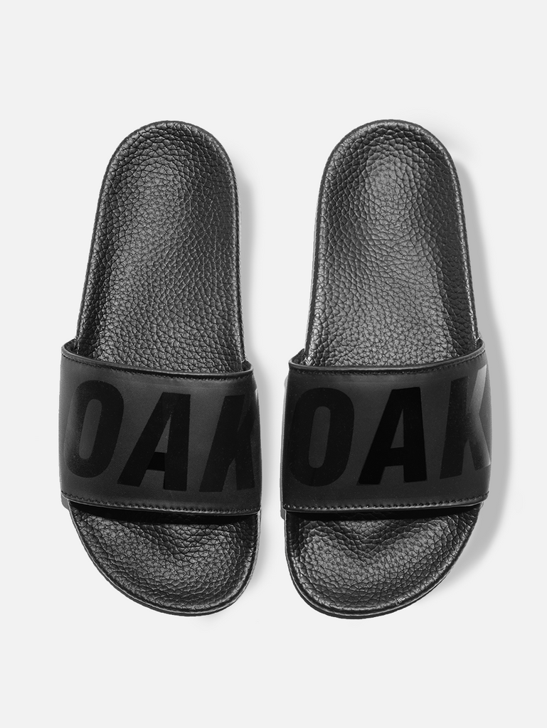 Oak Logo Slide in Black/Black in Black/Black by Oak