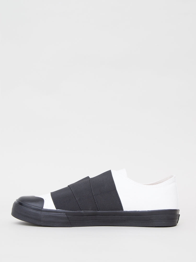 Load image into Gallery viewer, Norman Sneaker in White & Black by Oak