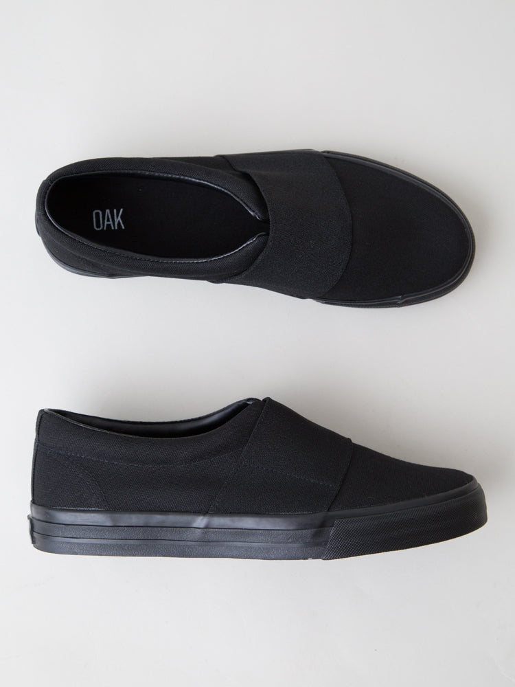 Load image into Gallery viewer, Clay Sneaker in Black by Oak
