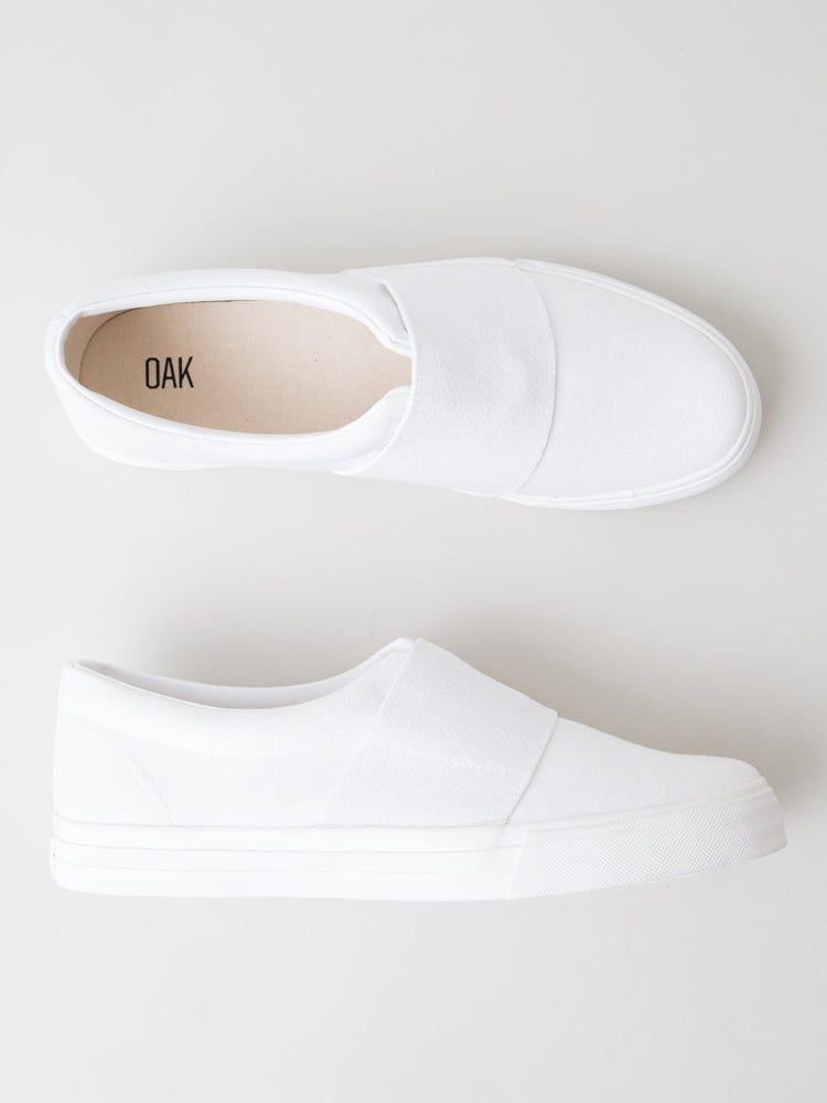 Load image into Gallery viewer, Clay Sneaker in White by Oak