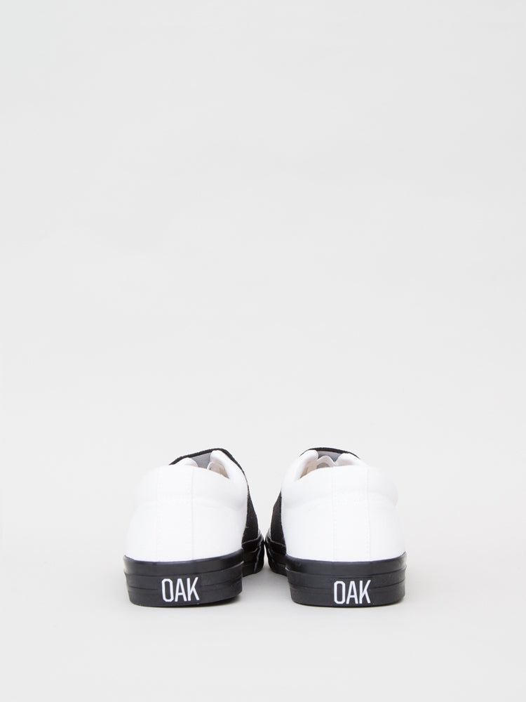 Load image into Gallery viewer, Clay Sneaker in White & Black by Oak