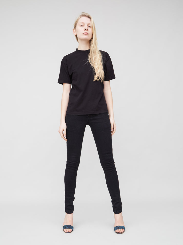 Oak Mock Neck Tee in Black