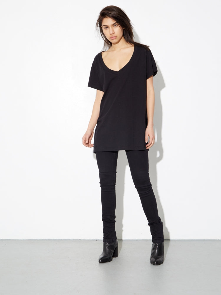 Oak Oversize V Tee In Black
