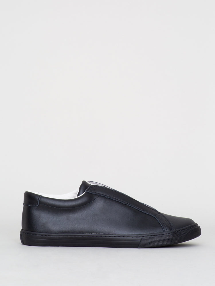 Oak Union Sneaker in Black Leather