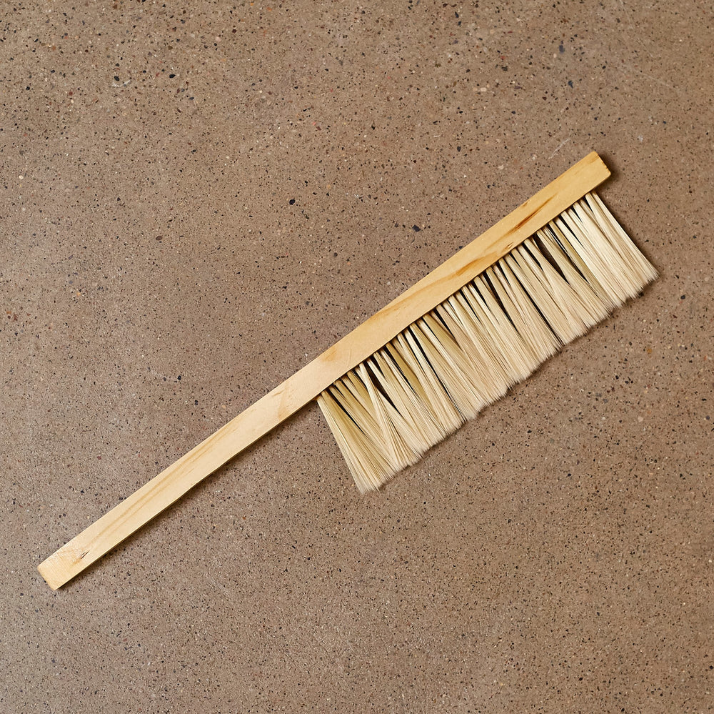 Synthetic Fibre Bee Brush