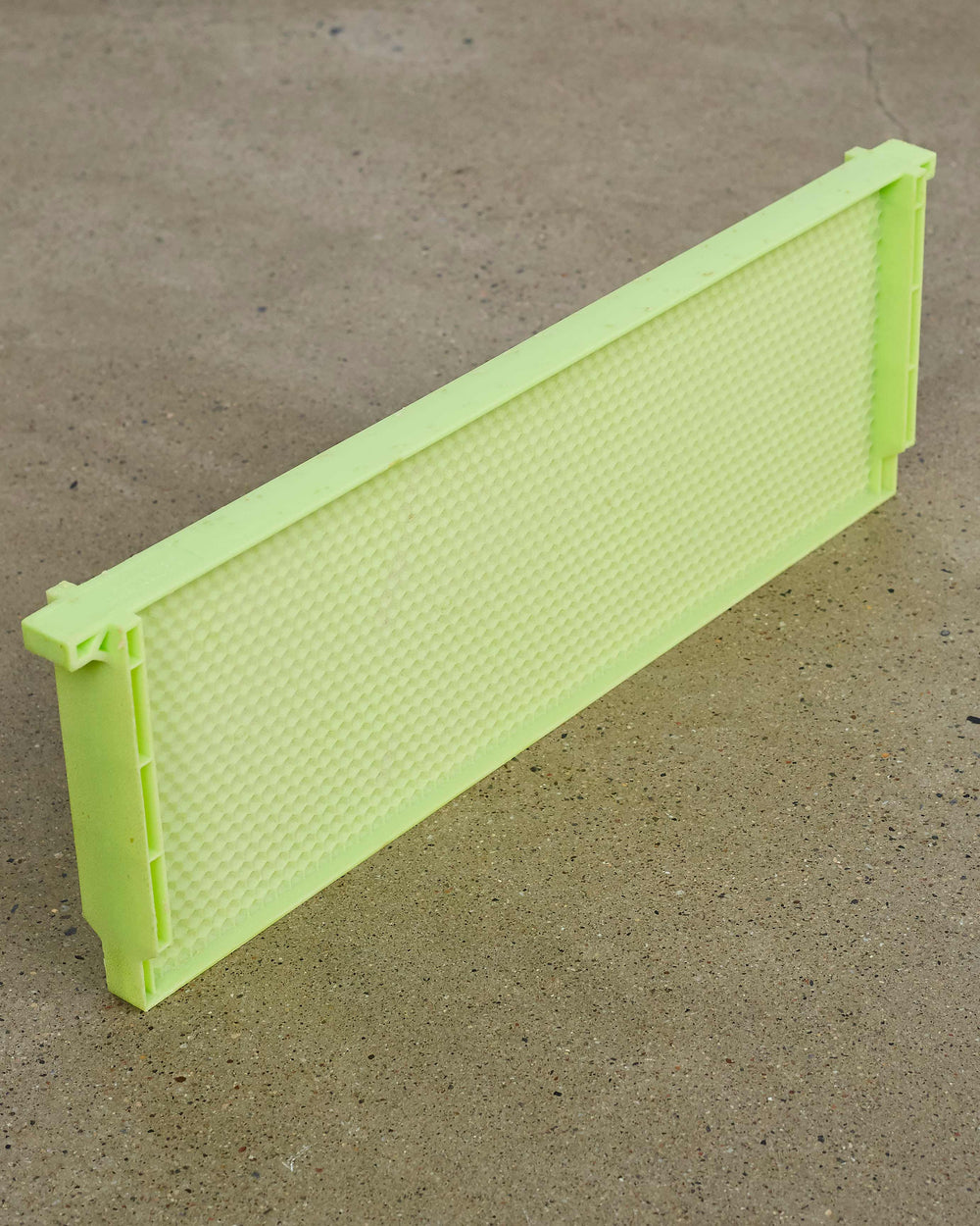 "6 1/4"" (Medium) Green Drone Comb - One Piece Plastic Frame"