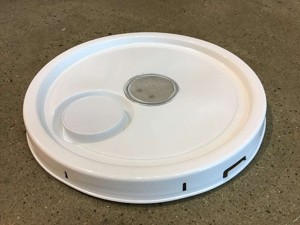 Feeder Pail Lid - Assembled