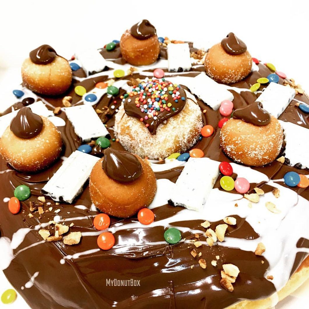 GIANT DONUT CAKE PARTY NUTELLA EXPLOSION