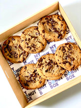 Load image into Gallery viewer, 6 Pack Chocolate Chip Cookies