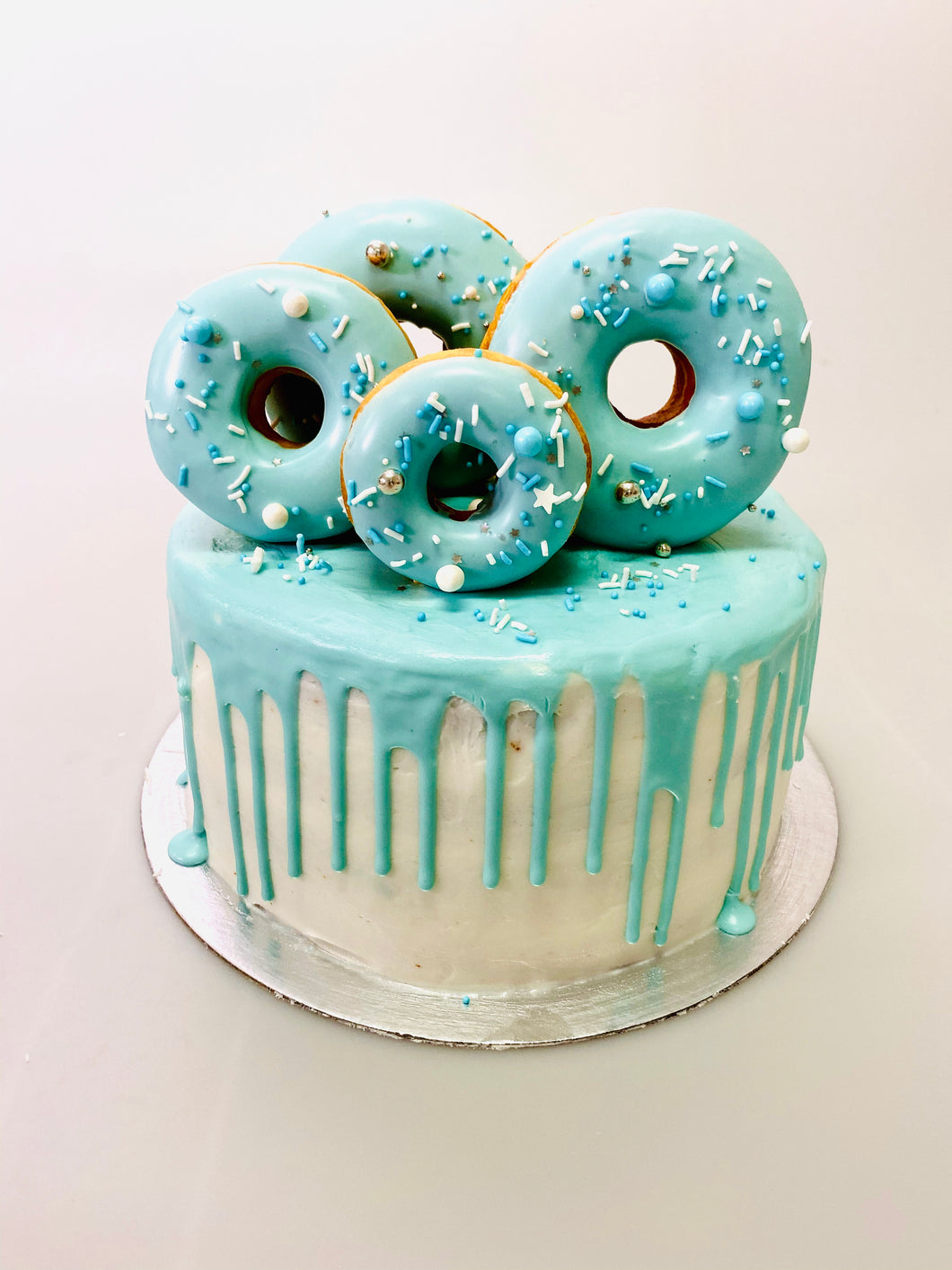 OH SO BLUE DONUT CAKE
