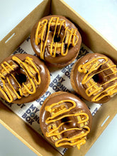 Load image into Gallery viewer, 4 PACK SNICKERS CRONUT