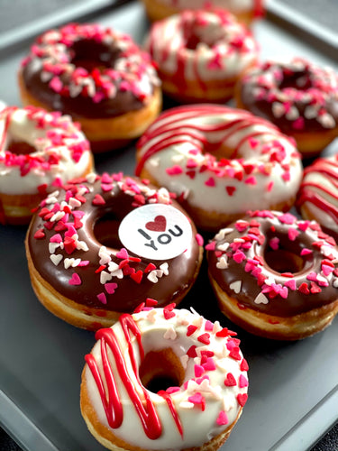 6 PACK LOVE HEART MEDIUM ICED RINGS