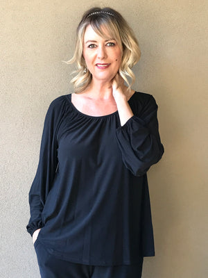ALL SEASONS BLACK ESSENTIAL RAGLAN TOP