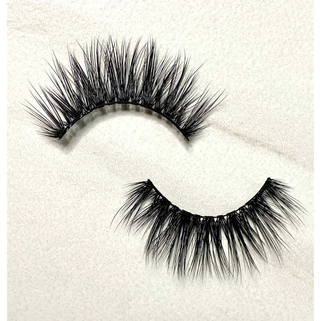 Quon's Eyes - Show Stopper Lashes