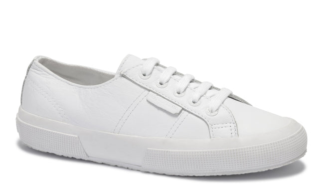 2750 Tumbled Leather Sneaker