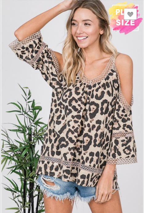 Super Cute Curvy size Cold Shoulder top!  Feel the Leopard ROAR!