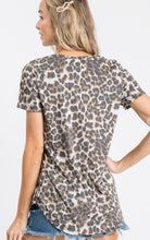 Load image into Gallery viewer, Metallic trimmed leopard top with V-neck