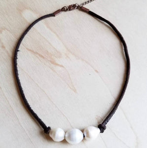 Triple Freshwater Pearl brown Leather choker necklace