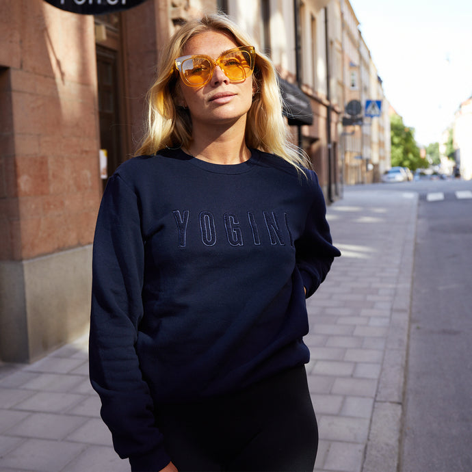 Yogini embroidered sweatshirt black // black