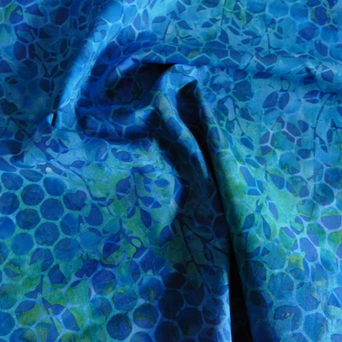 Cotton Batik - Blue Floral Honeycomb - 1/4m