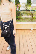 Load image into Gallery viewer, Hand-made Canvas Bucket Bag
