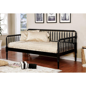 Traditional daybed