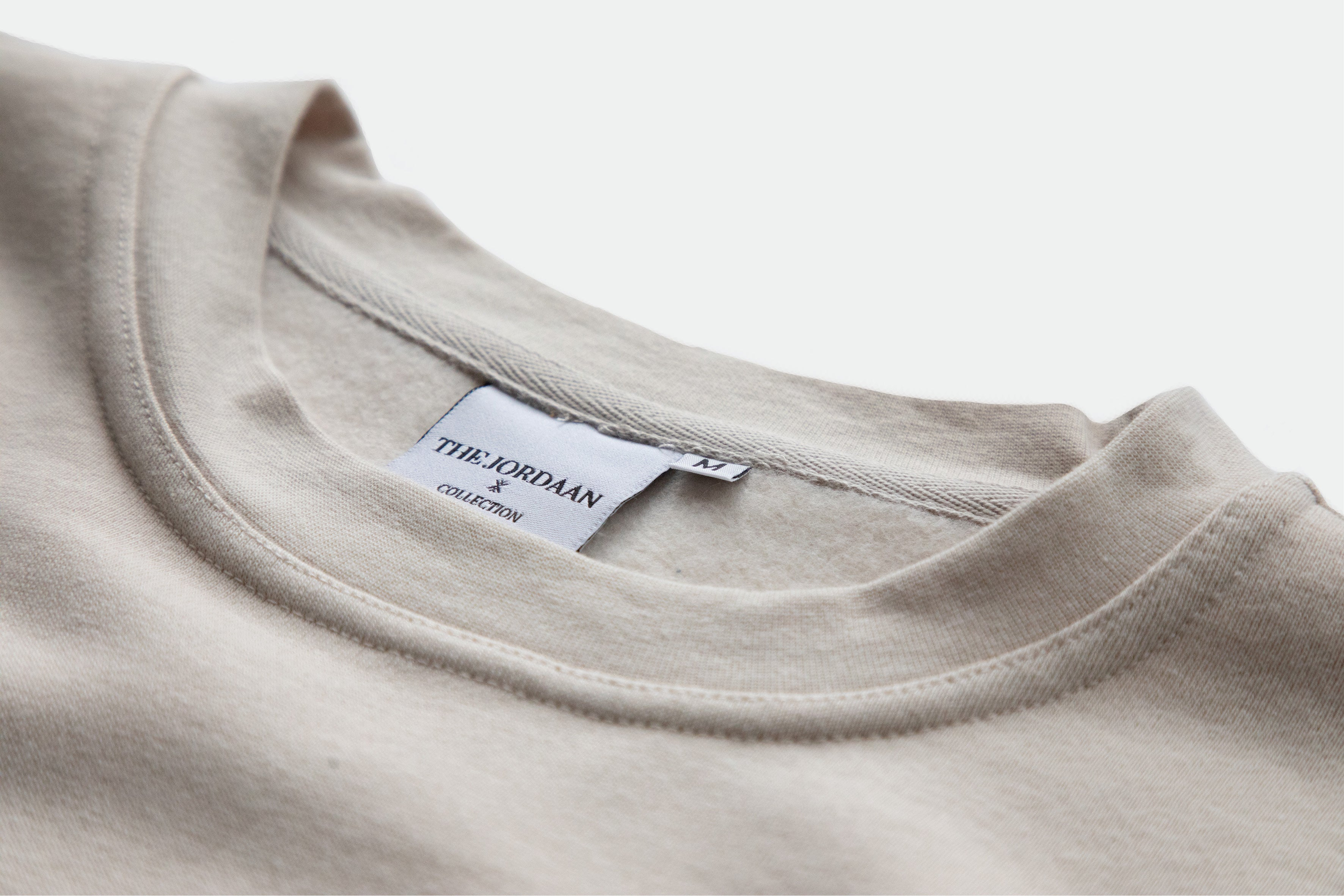 Authentic sweatshirt with unisex fit. Made from the softest cotton blend with the original THE JORDAAN logo, wear this item casual with denim or as a real fashion piece with one of your favorite items! Wandering along the Jordaan district or Central Park, this sweatshirt keeps you comphy at any time!
