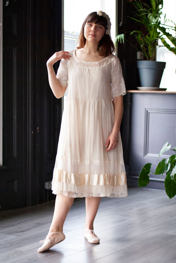 1910's Silk Chiffon and Lace Dress