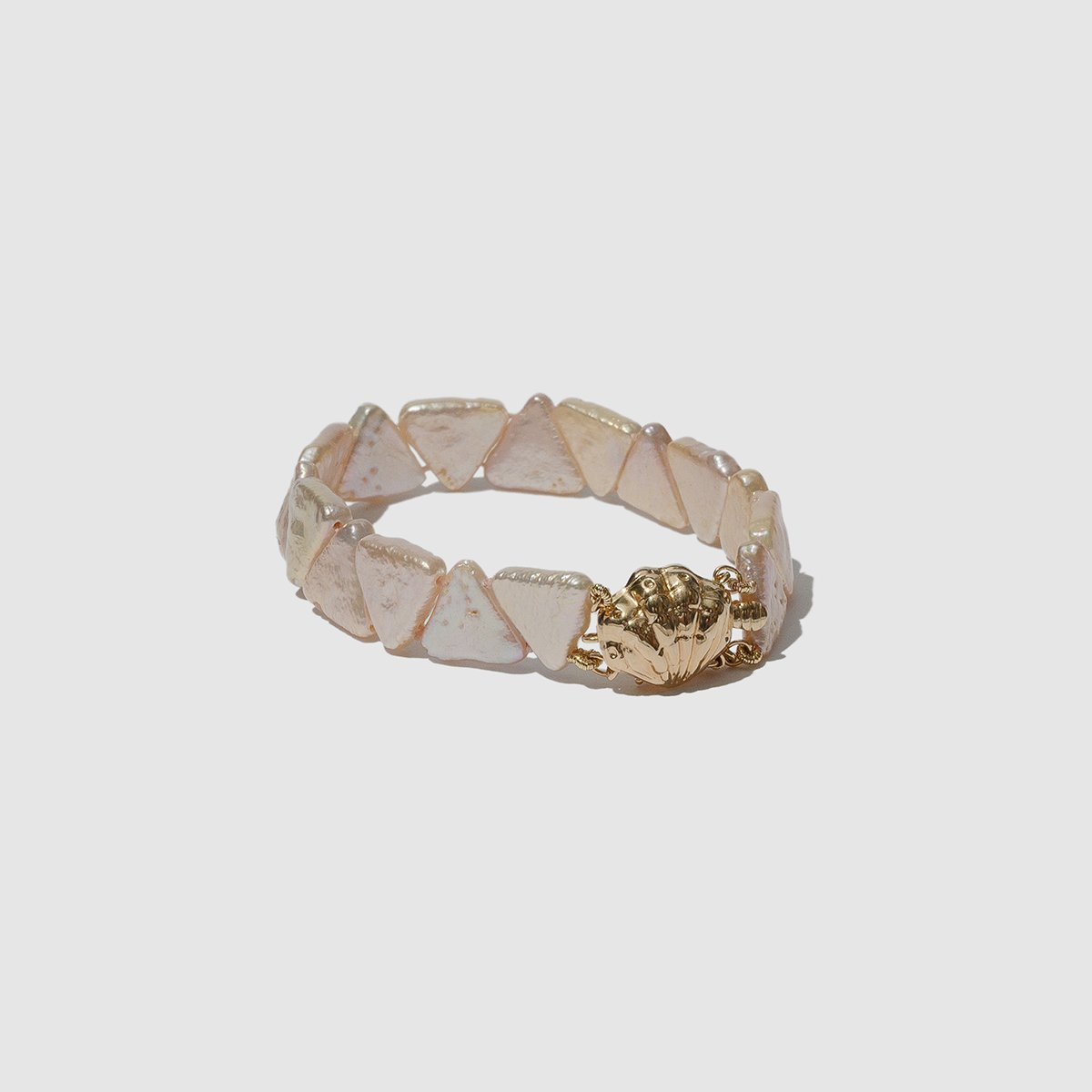 JEWELRY - PEARL PYRAMID BRACELET WITH SHELL CLASP