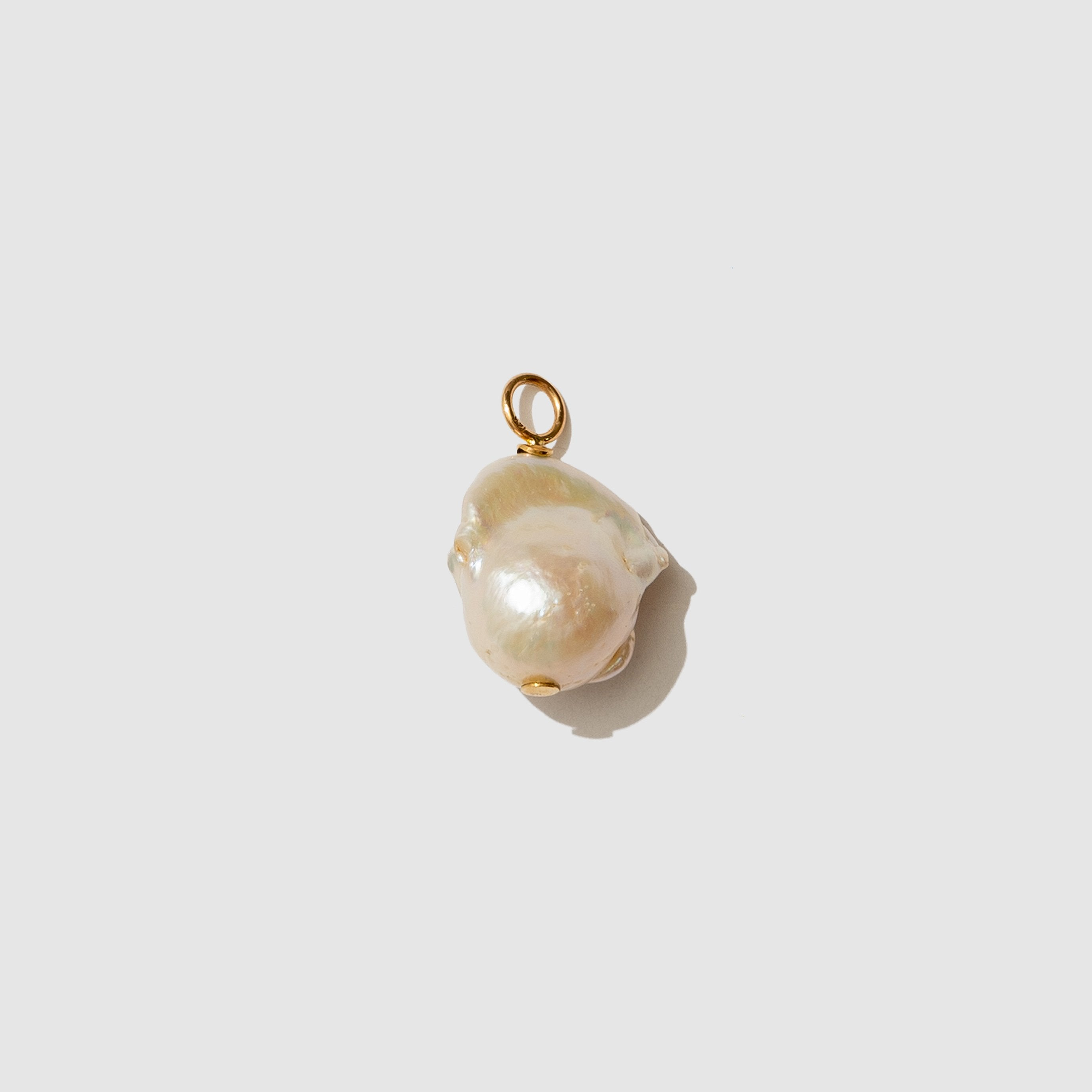 JEWELRY - WHITE BAROQUE PEARL PENDANT