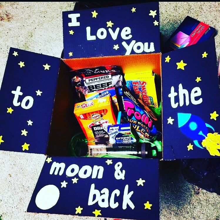 'To The Moon And Back' Package