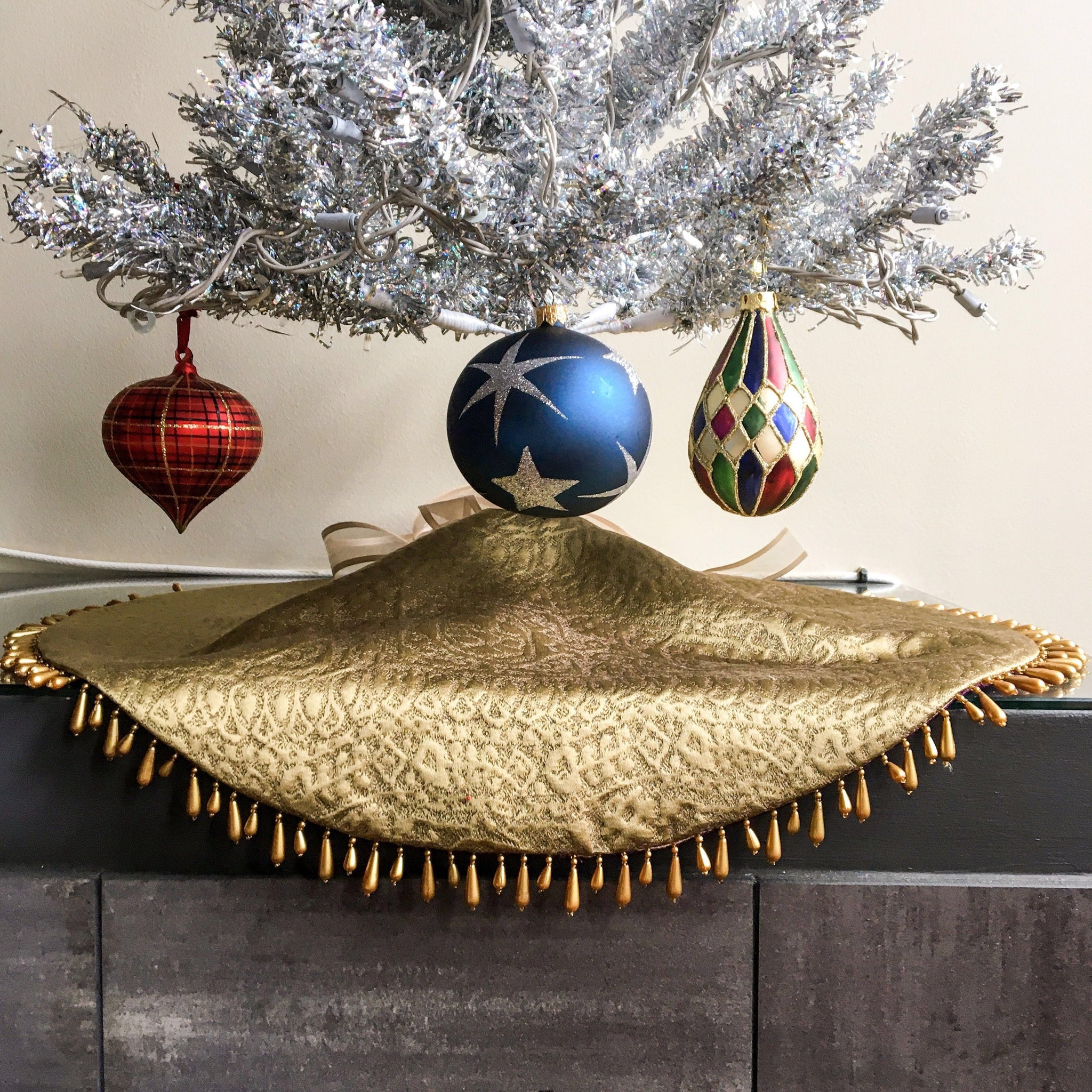 "24"" Metallic Gold and Purple Tabletop Christmas Tree Skirt with Gold Beads 