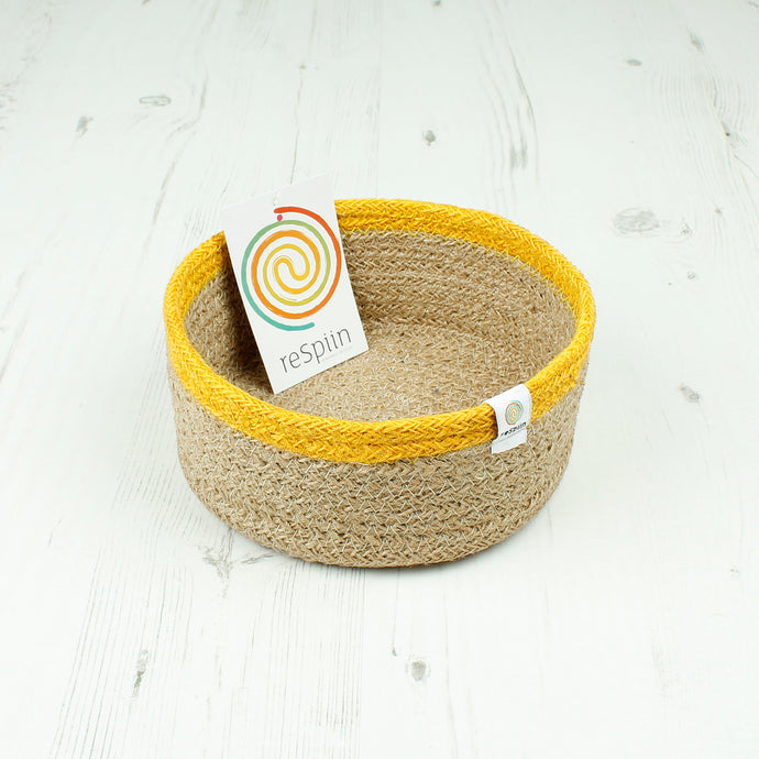 ReSpiin Shallow Jute Basket Small Natural / Yellow