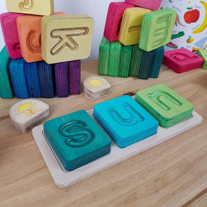 Cube Tray: Suitable for 3 Cubes. Ideal for letters, phonics and spelling