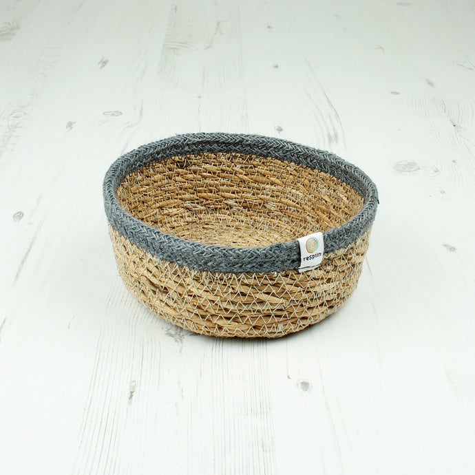 Respiin Shallow Seagrass & Jute Basket Small Natural / Grey