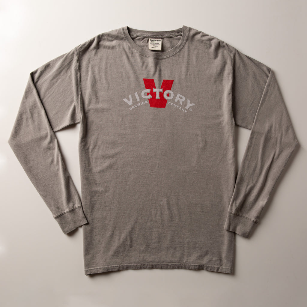 Victory Banner Long-Sleeve Tee | Concrete Grey