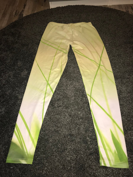 Green Grass print print leggings size -M