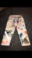Patterned 3/4 yoga type leggings size -S